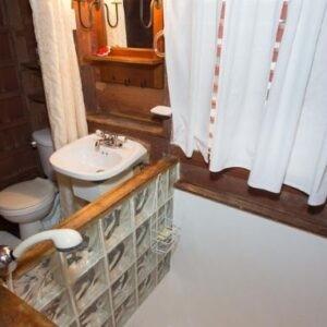Sunken bathroom in cottage